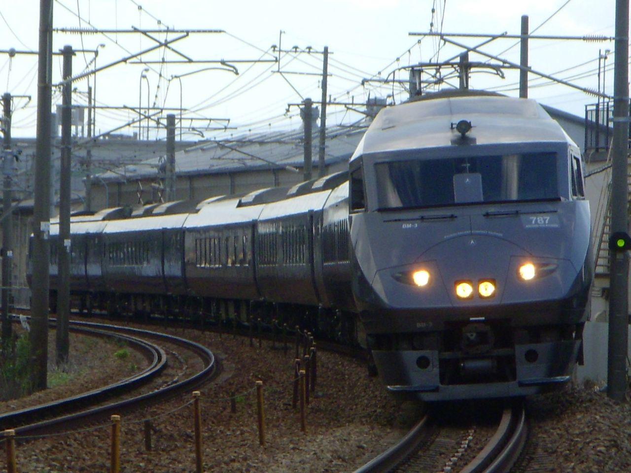 JR九州 787系交流形特急電車 : のりもの研究室