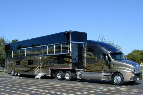 motorhome painting with 2134121860655593703 on Weekly Playboy Issue 13 28 March 2016 in addition Caravan 20clipart 20vintage 20c er in addition Rv Windshield Roller Shades further National Geographic Germany September 2015 besides Rv Kitchen Cabi s.