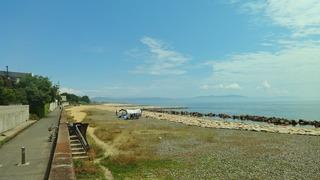 魚住町中尾 サイクリングロードと海岸線