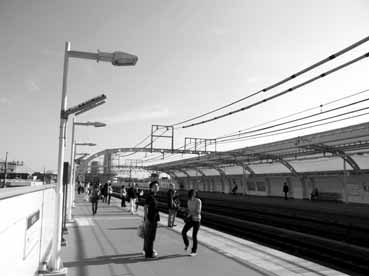 高津駅風景