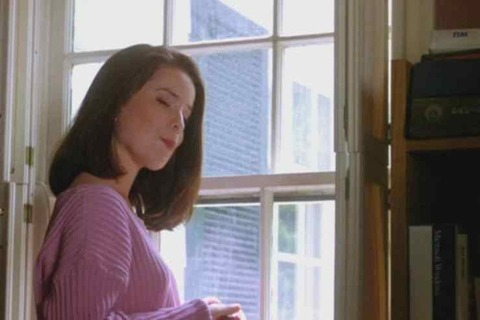 Dr-Giggles-Holly-Combs-740x493