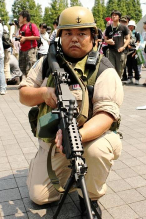110930__468x_comiket-80-day-2-cosplay-inferno-128