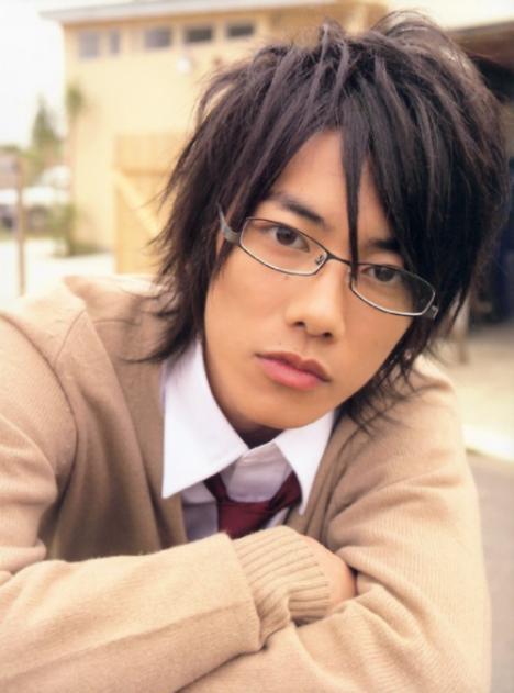 104782__468x_kenshin-takeru