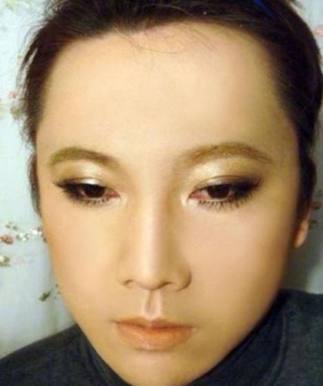 105291__468x_makeup-mastery-004
