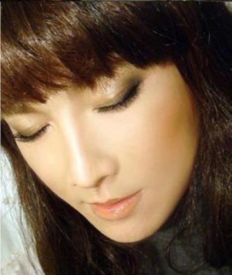 105289__468x_makeup-mastery-002