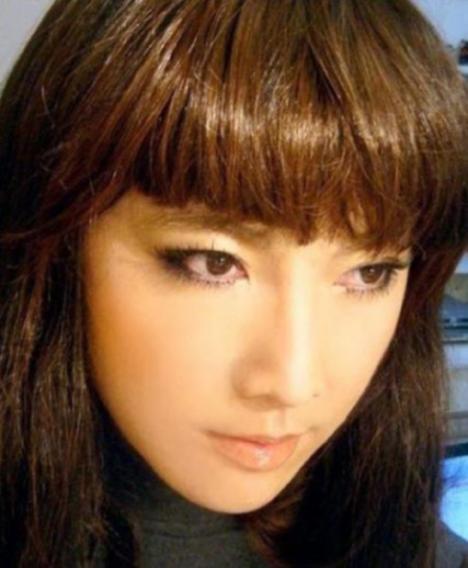 105290__468x_makeup-mastery-003