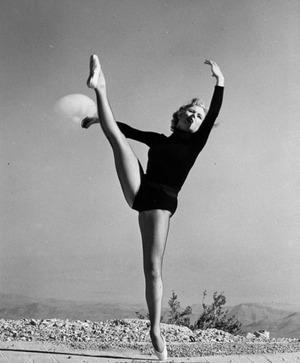 1953-Upshot-Knothole-Dixie-showgirl-413x500