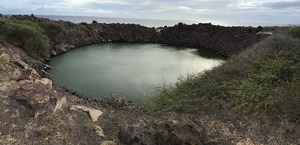 800px-Operation_Sailor_Hat_Crater,_Kaho'olawe