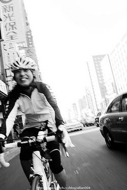 自転車に乗るのが大好き!台湾自転車姫のNaTsuMi (photo by 小龍)
