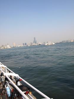 2008.3.3 PM15:22 高雄港、看到了凸!