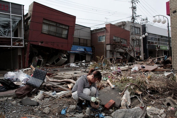20110317-japan2-slide-ze7v-jumbo
