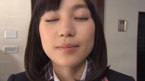 生田絵梨花のキス顔