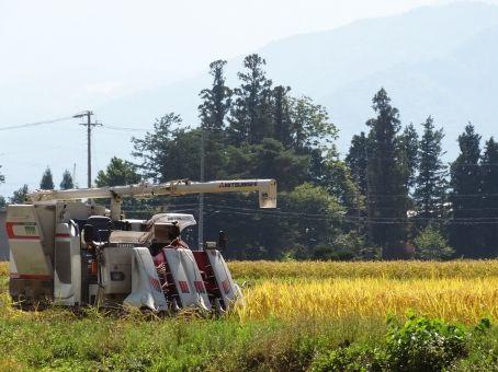 【仰天】誤って農機に巻き込まれた男性、とんでもない方法で生還wwwwww