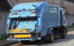 回収作業中に収集車巻き込まれ男性死亡 神奈川