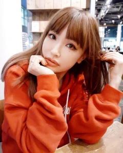平子理沙、オレンジパーカーの私服が大反響「どうしてそんなに可愛いの」