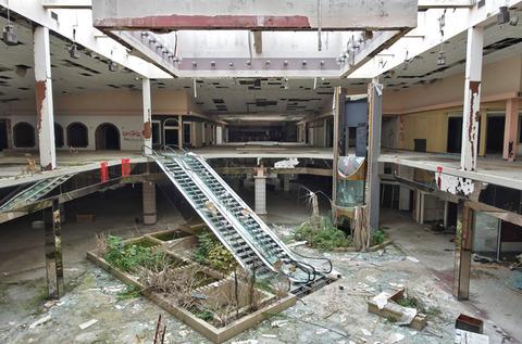 abandoned mall1