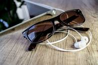 glasses-tablet-office-touch-screen-sunglassess