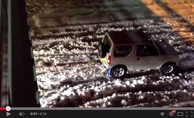 20140217-スズキ-ジムニーが大雪で大活躍で凄い!-02