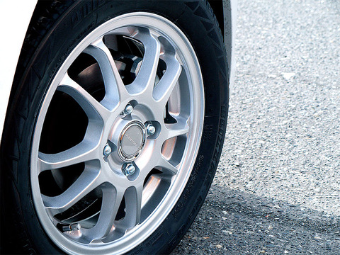 20130415-ワゴンRスティングレーのタイヤ-01