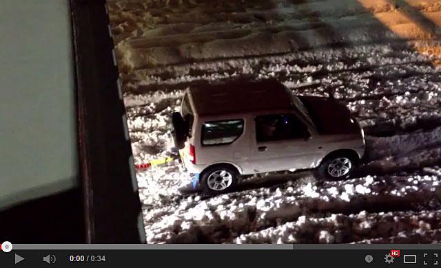 20140217-スズキ-ジムニーが大雪で大活躍で凄い!-01