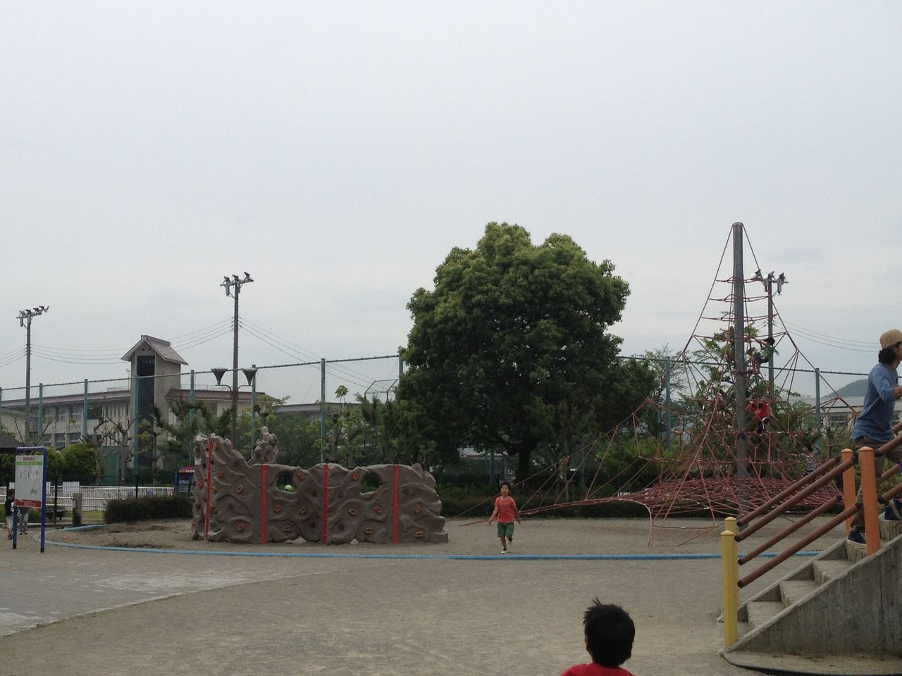岐阜市、長良公園は子供の ...