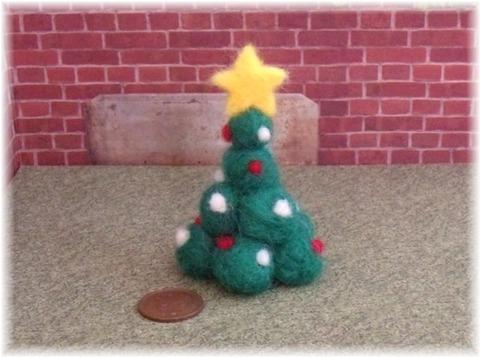 羊毛クリスマスツリー