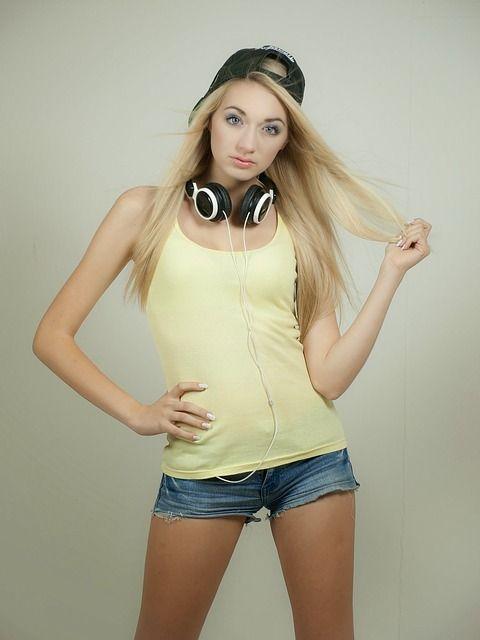 blond-487065_640