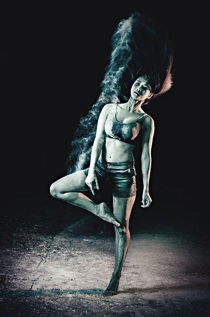 dance-422699_640