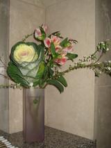 カウンターの正月の花