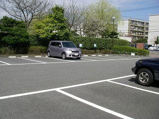 Q.駐車場はありますか?