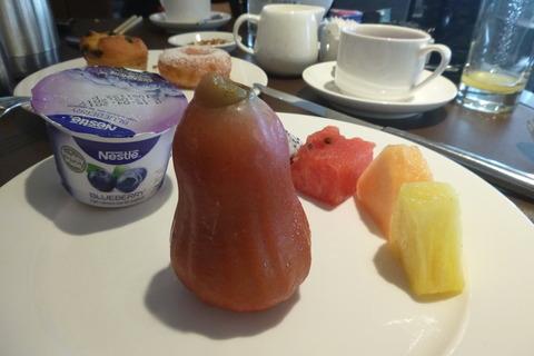 香港スカイシティマリオットホテルのフルーツ