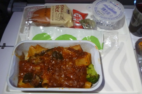 フィンエアーエアバスA350-900XWBの到着前食事