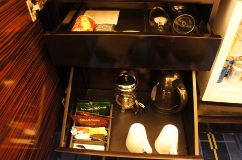 香港スカイシティマリオットホテルのミニバー