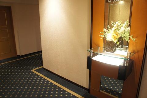 ホテルブライオン那覇のエレベーターホール
