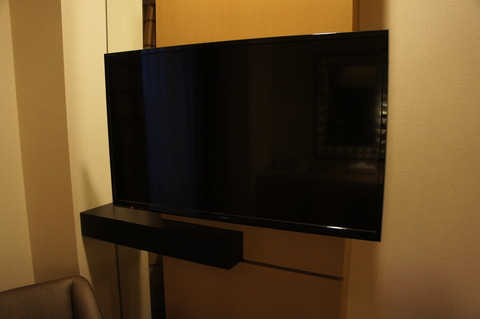ダブルツリーbyヒルトン那覇のテレビはシャープ製