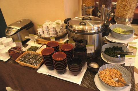 ダブルツリーbyヒルトン那覇の味噌汁と納豆
