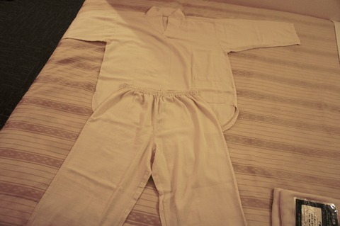 ホテルブライオン那覇のパジャマはツーピースタイプ