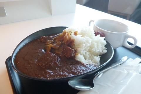 成田空港第2ターミナルサクララウンジ本館ビーフカレー
