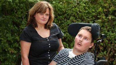 【紹介記事・エンタメ】 - 【悲報】ナメクジ食って四肢麻痺になったアメリカ人がついに死亡…