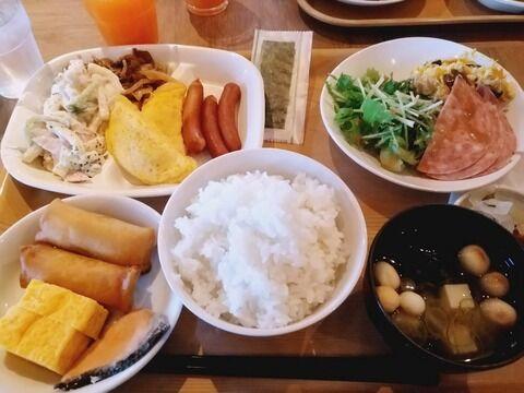 【画像】ルートインの朝食美味すぎ問題wwwwwwwwww