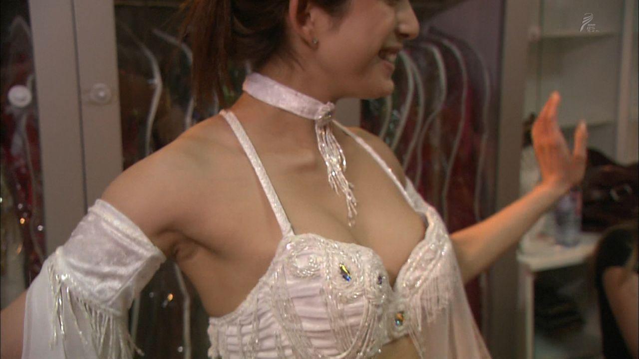 【エンタメ画像】BSプレミアムで上原多香子が半裸で踊ってる。。。。。。。。。。。。