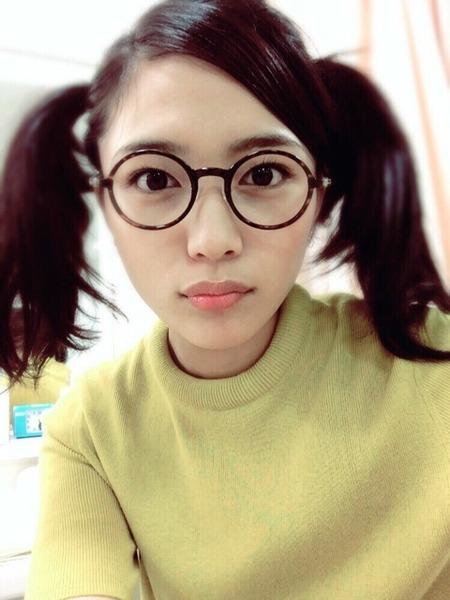 【エンタメ画像】川口春奈、ツインテール×丸メガネで「あられちゃんになってみた」