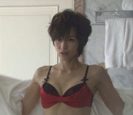 【エンタメ画像】吉瀬美智子のエロ過ぎるおっぱいwww