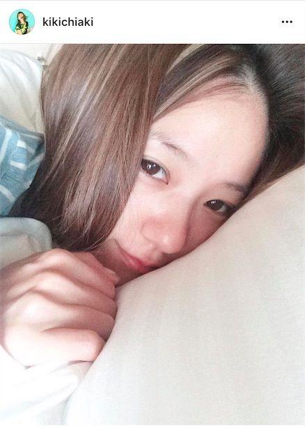 【エンタメ画像】AAA伊藤千晃の寝起き「すっぴん」が可愛すぎると話題に