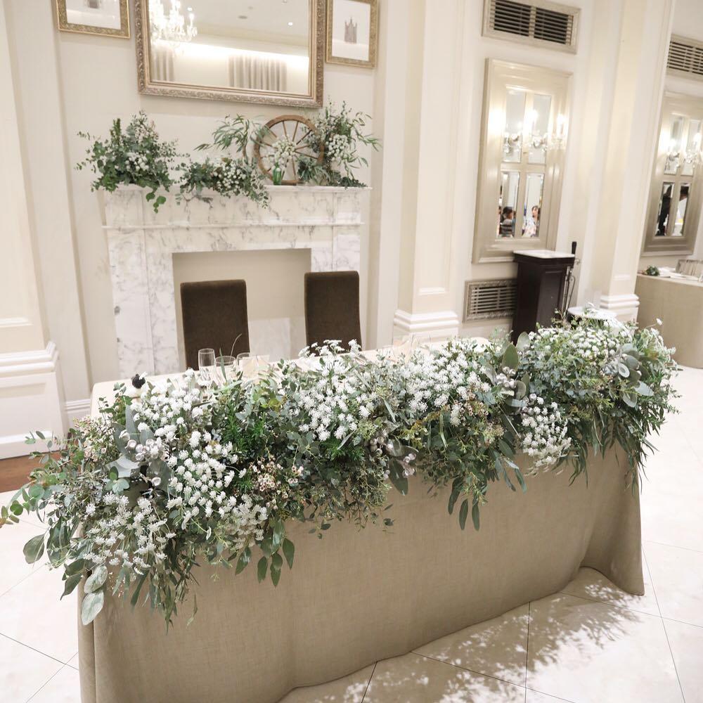 結婚式の会場装花を考えよう!ウェディングドレスやウェディング