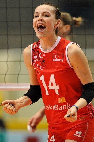 Eda-Erdem-Dündar-Best-Middle-Blocker-Turkey