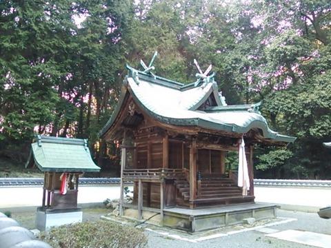 青賀原神社 本殿と末社八幡社