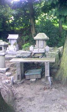 棚機神社 石祠