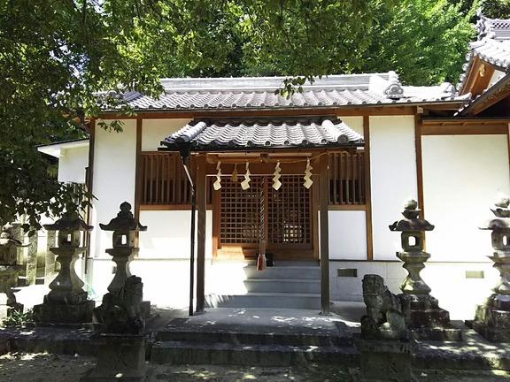 片岡神社末社 垣内四社拝殿