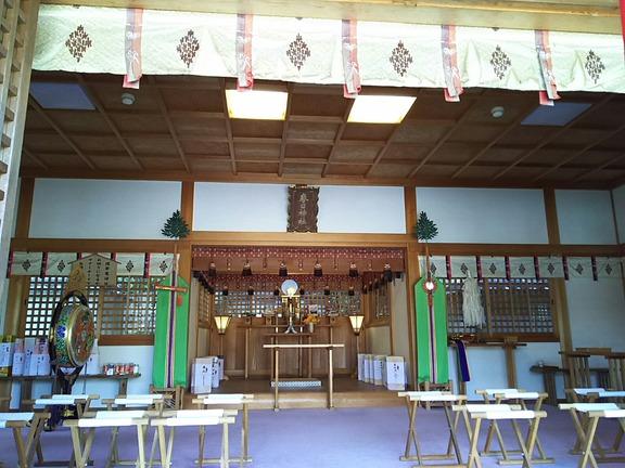 春日神社 拝殿内部